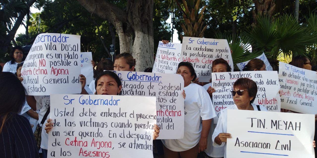 """En contra de """"fiscal carnal"""" y feminicidios en Yucatán"""