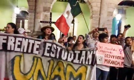 Aprovechan 50 años de matanza de Tlatelolco para protestar por 'todo', en Mérida