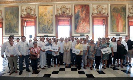 Agrupaciones civiles reciben apoyos del Gobierno de Yucatán