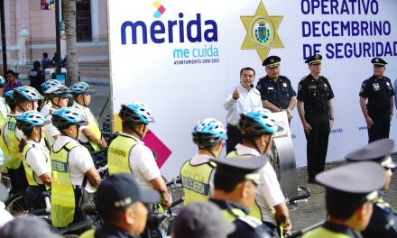Banderazo a 'Operativo Decembrino' en Centro Histórico de Mérida
