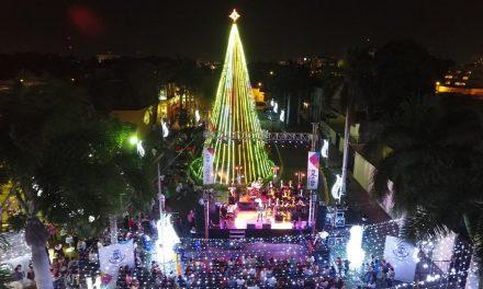 Concierto e iluminación encienden a Mérida