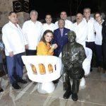 'Lo más difícil' para lograr la escultura de Manzanero