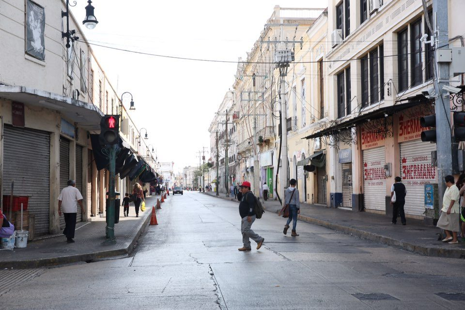Calles del centro histórico de Mérida amanecen limpias luego de festejos navideños