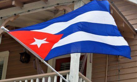 Cuba levanta prohibición: ciudadanos podrán usar internet móvil en celulares