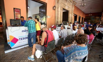 Largas filas en Mérida por cobro de Impuesto Predial