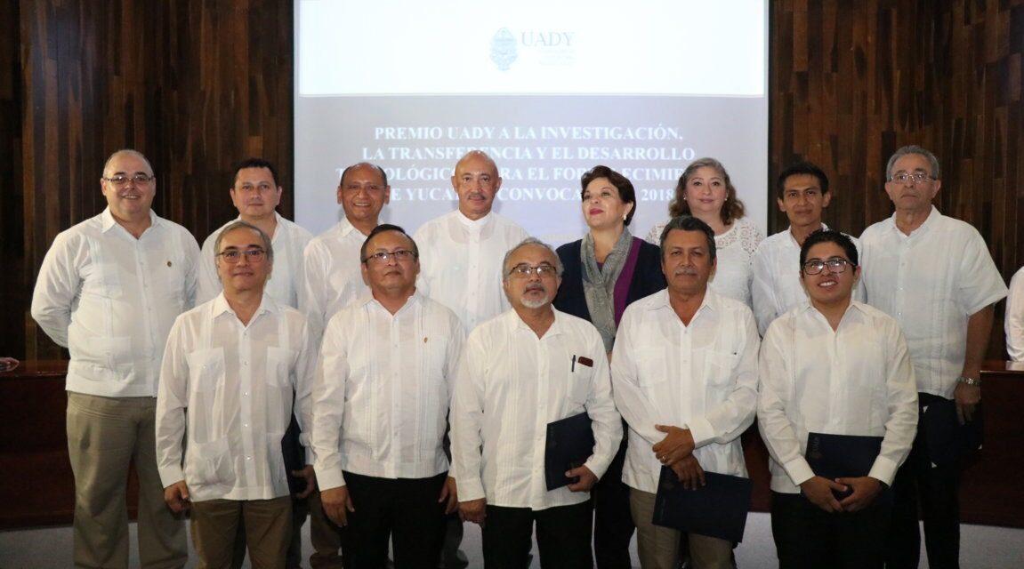 Mira a quiénes premió UADY por investigación, transferencia y desarrollo tecnológicos