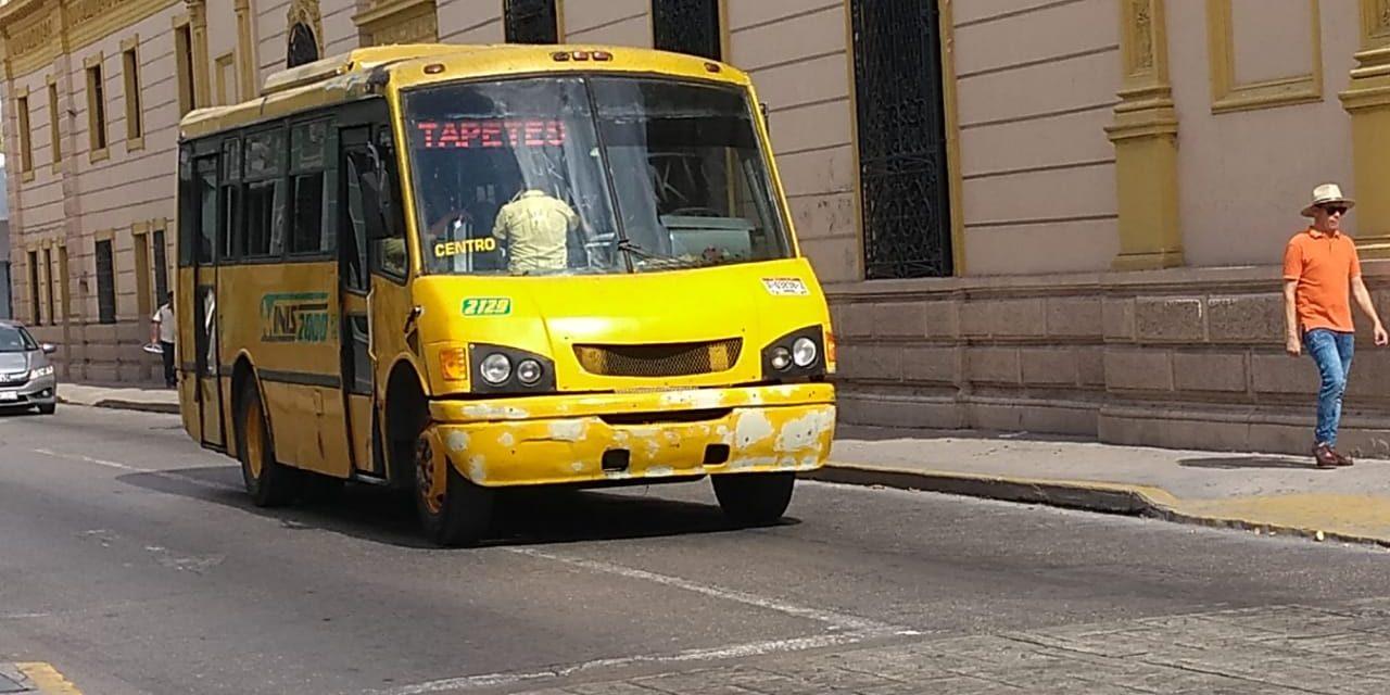 Transportistas urbanos en Mérida presionan aumento a subsidio