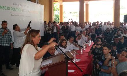 Ante denuncias, Claudia Ruiz da la cara por Rolando Zapata