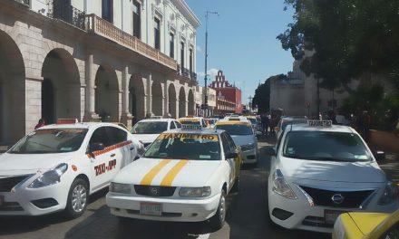 Enderezan taxistas protesta contra plataformas digitales