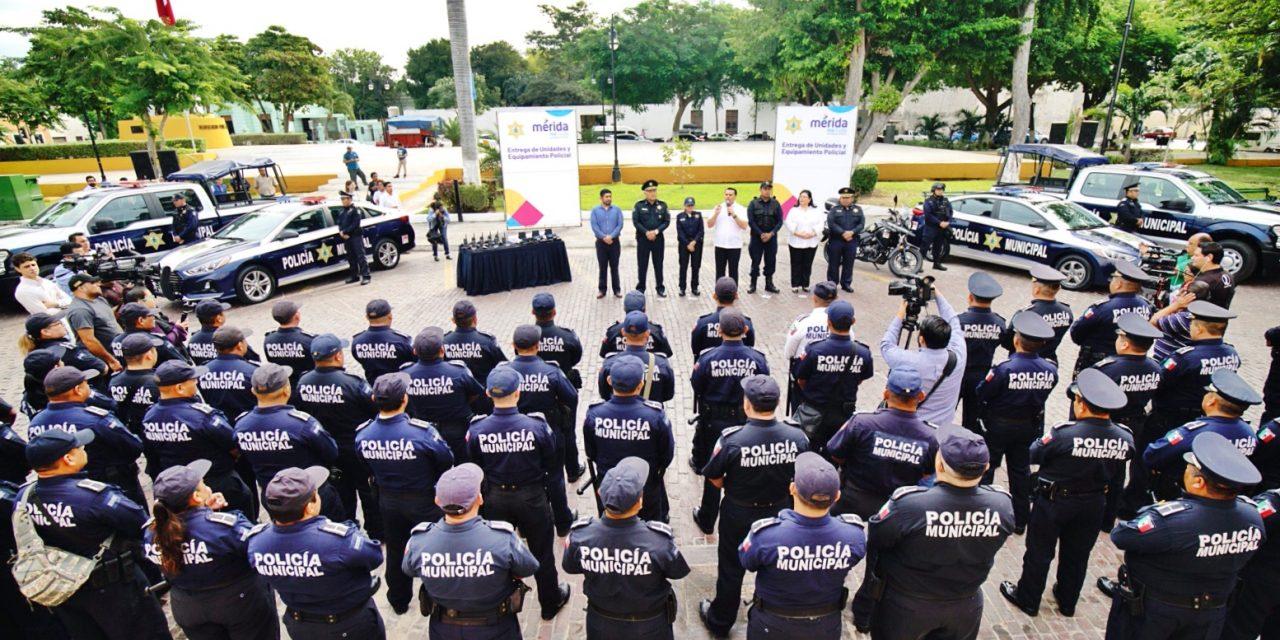 Nuevas unidades equipadas y radios móviles para Policía Municipal de Mérida