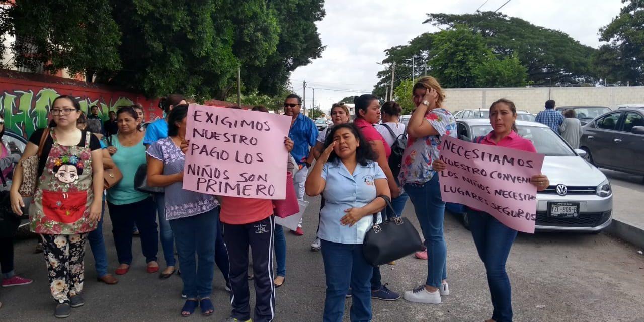 Protestan y amenazan con cerrar 204 guarderías en Yucatán (videos)