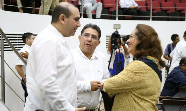 ¿Quién balconeó a perredistas beneficiados con taxis el sexenio pasado, en Yucatán?