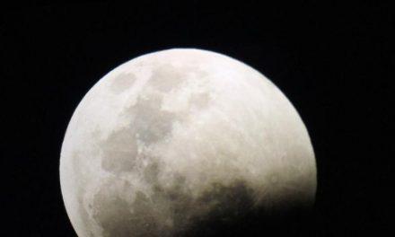 Vistazo al eclipse de Luna de sangre en fotos
