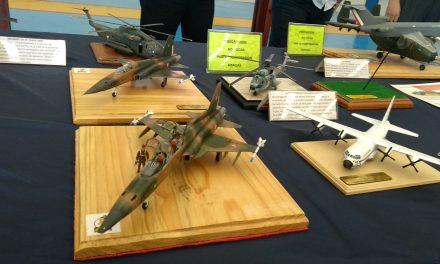 Historia de la Fuerza Aérea Mexicana con modelos a escala