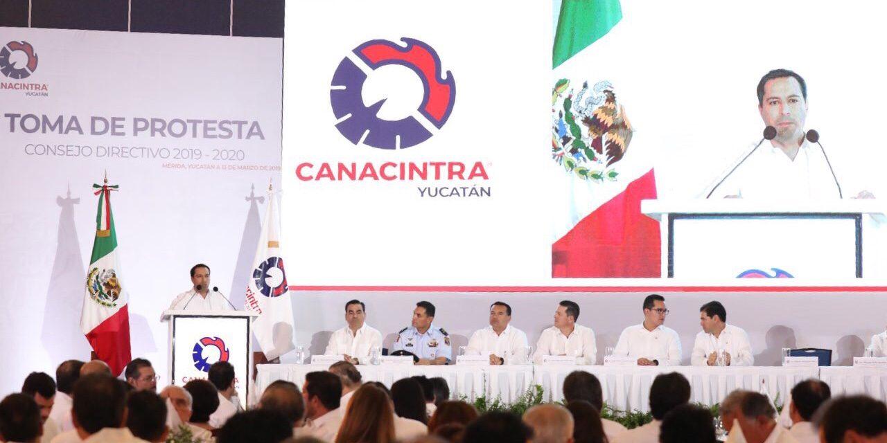 Repasa Vila catálogo de acciones para desarrollo de Yucatán