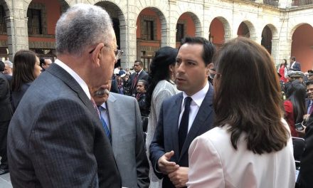 Asiste Vila a Informe de 100 días del Gobierno de López Obrador