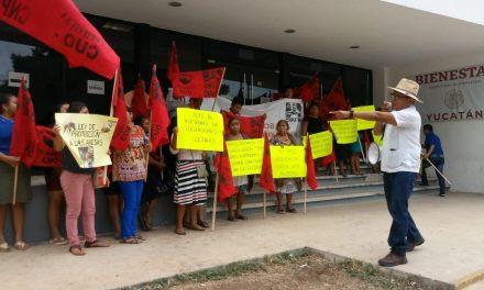 Líderes campesinos ven 'favoritismo' en apoyos al sector