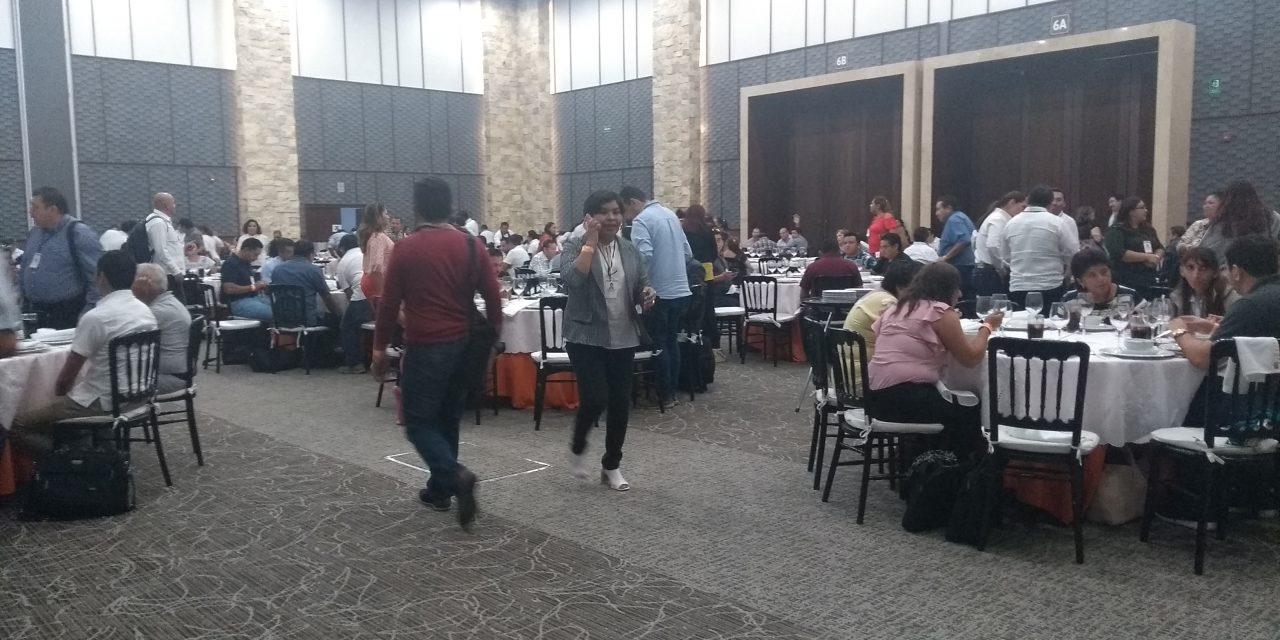 Tensión y rispidez marcan Congreso de magisterio yucateco
