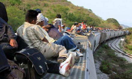 Manda Trump soldados armados a frontera con México