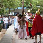 Viacrucis tras las rejas: presos del penal de Mérida reviven Pasión de Cristo