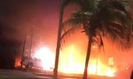 Atacan lote de autos de lujo en Cancún (Vídeo)