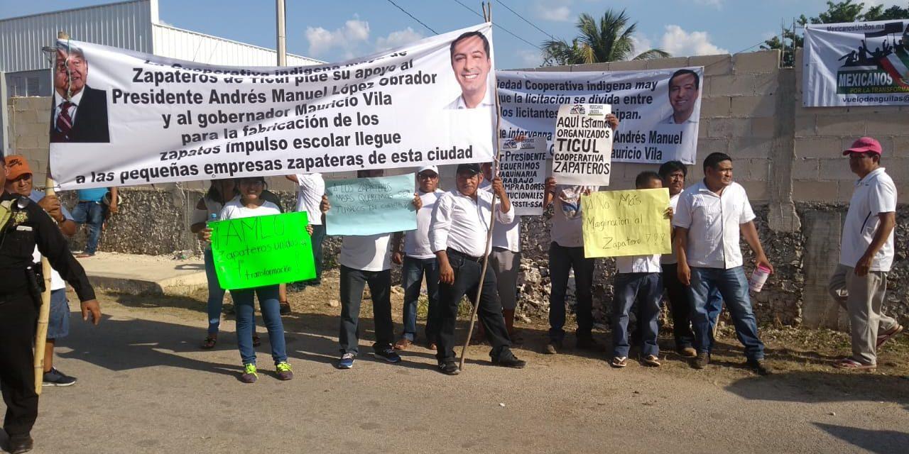 Romería de peticiones y expresiones de respaldo a AMLO (Vídeo)