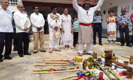 """Pelean liderazgo maya; los confronta """"Gubernatura Indígena"""" (vídeo)"""