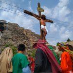 Atempera calor y sufre menos el 'Cristo de Acanceh' (Vídeo)
