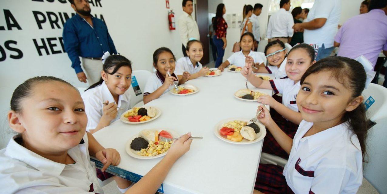"""Alumnos de primaria """"Niños Héroes"""" cuentan con nuevo comedor"""