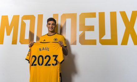 Wolverhampton compra a Raúl Jiménez en 40 millones