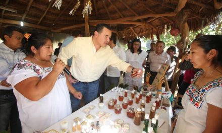 Con apoyo a comisarías, mejor desarrollo integral del municipio.- Renán Barrera