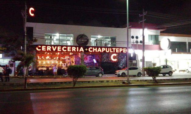'Rafaguean' bar en Playa del Carmen; muere 1 y lesionados 11