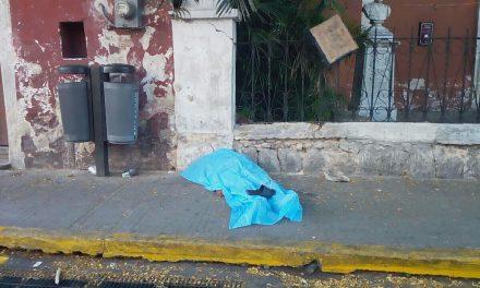 Muere en Mérida a las puertas de templo católico