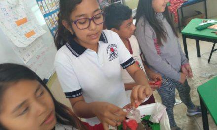 Niña de escuela indígena de Chapab, a Olimpiada del Conocimiento