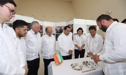 Equipo médico a Hospital Regional de Alta Especialidad Península de Yucatán
