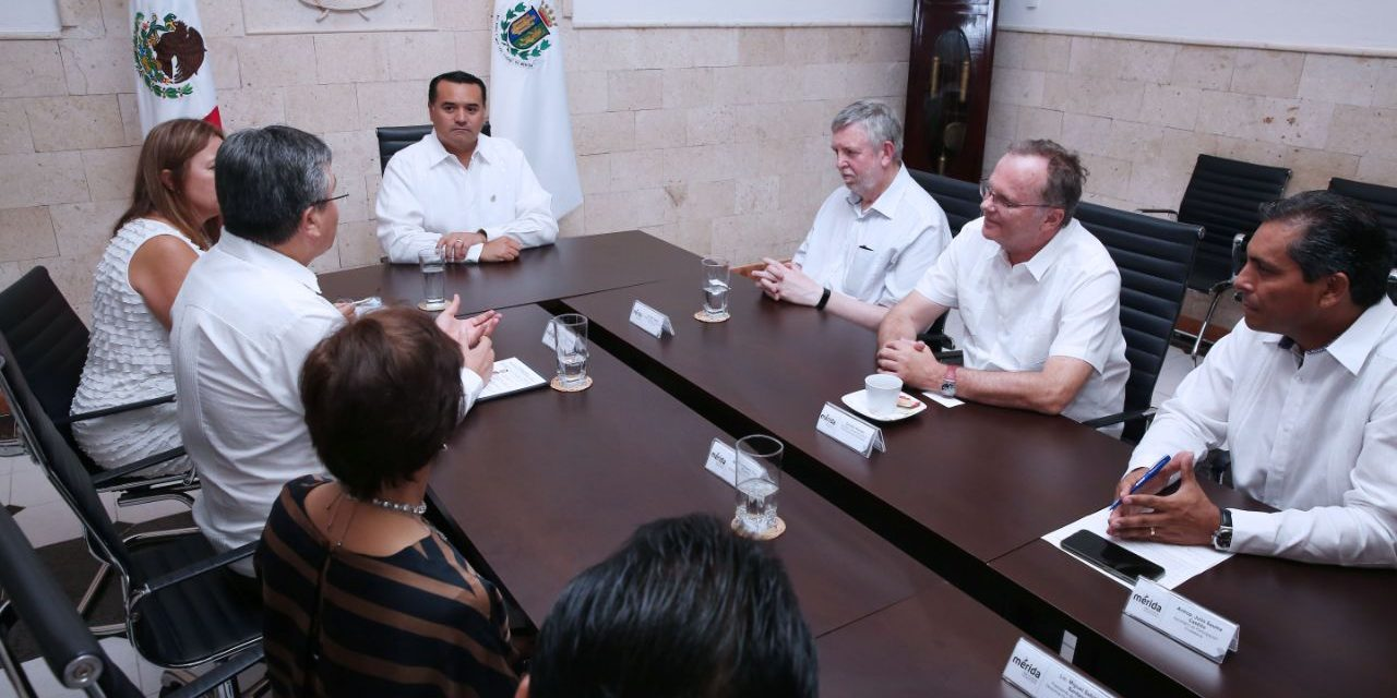 Junta Directiva de Instituto Nacional del Ombudsman, de visita en Mérida