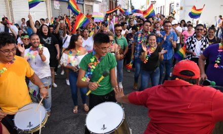 Comunidad LGBTTTI hace visible su lucha e identidad (Fotos)