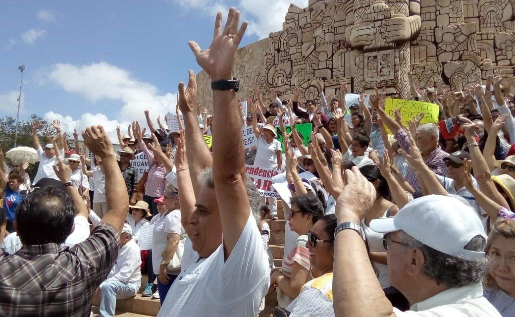 Reprueban resultados de López Obrador en gobierno federal