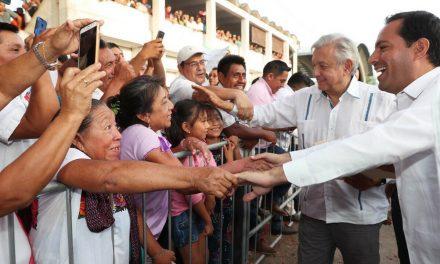 Protestan en gira de López Obrador por despojo de tierras