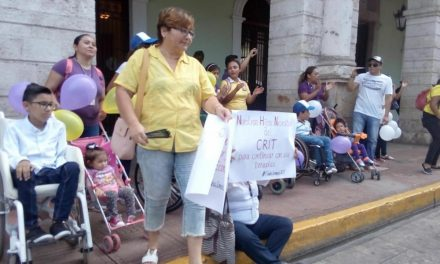 Incertidumbre de padres de familia por futuro de CRIT-Yucatán