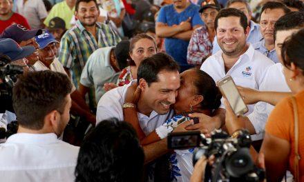 Mauricio Vila Dosal inicia entrega de apoyos del programa Peso a Peso
