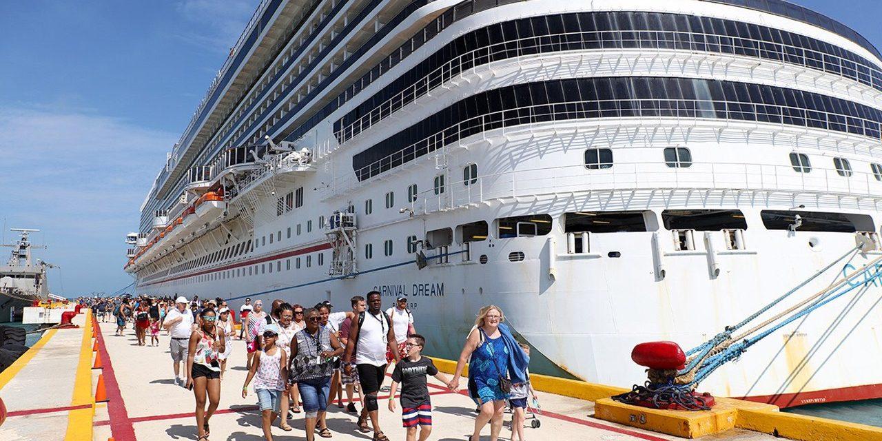Carnival Dream, de los más grandes de la naviera, llegó a puerto Progreso