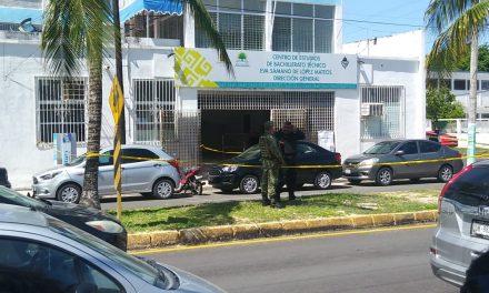 """Director de escuela en Chetumal lesionado por """"paquete bomba"""""""