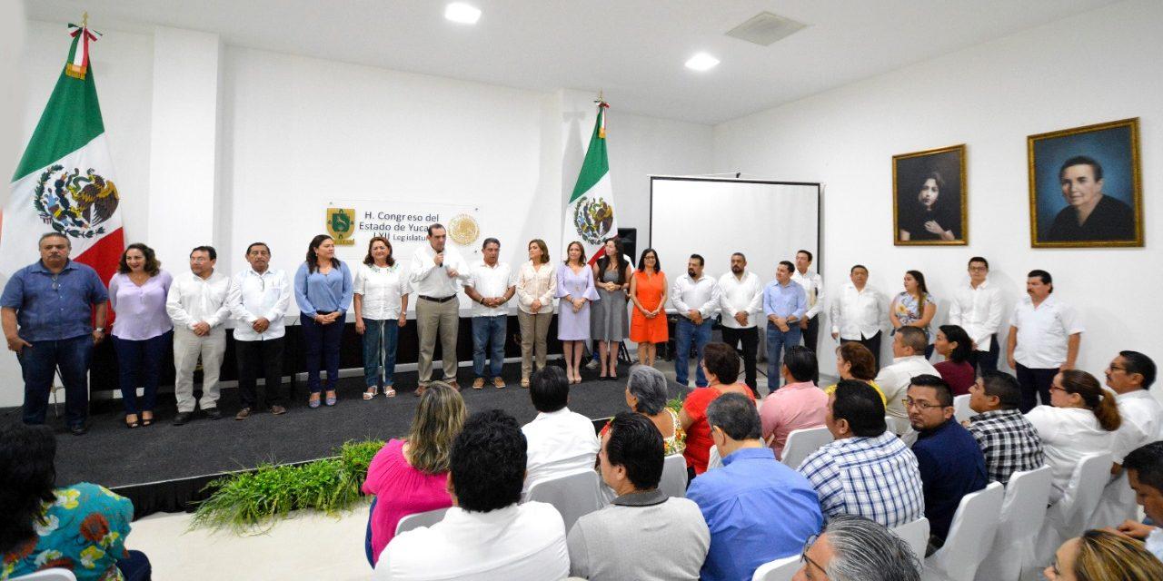 Orientan a alcaldes yucatecos en revocación de mandato y otros temas