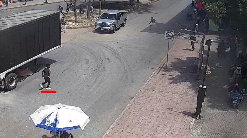 Ejecutados frente a plaza comercial en Cancún; lesionados niño y anciano