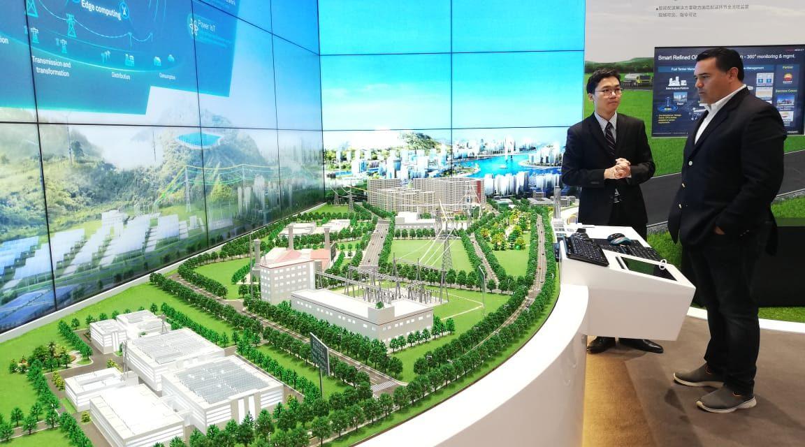 """Huawei podría colaborar en planes de Mérida hacia una """"ciudad inteligente"""""""