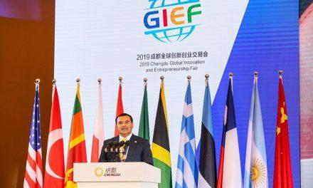 Renán Barrera expone fortalezas de Mérida en foro internacional en China