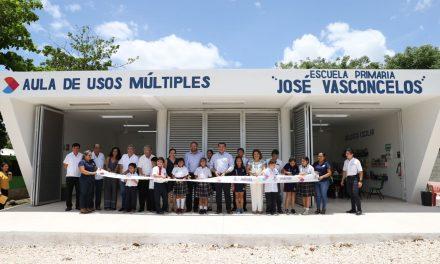 "Primaria ""José Vasconcelos"" estrena aula de usos múltiples"