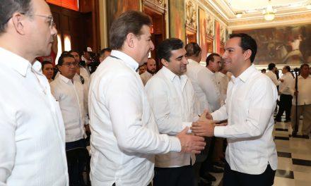 Empresarios yucatecos comparten estrategia para promover inversiones