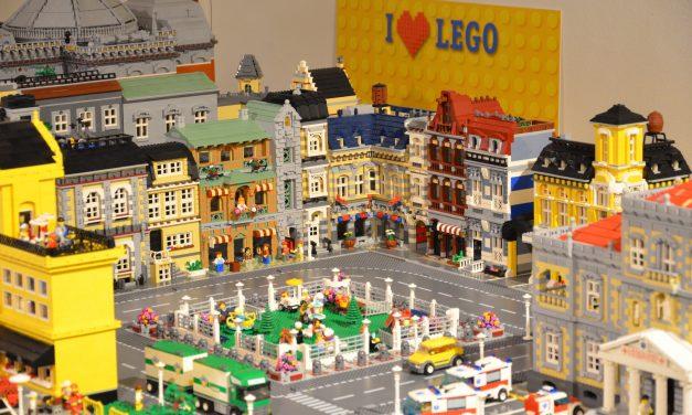 Ofrece Palacio de Revillagigedo de Gijón mundos de Lego con más de un millón de piezas